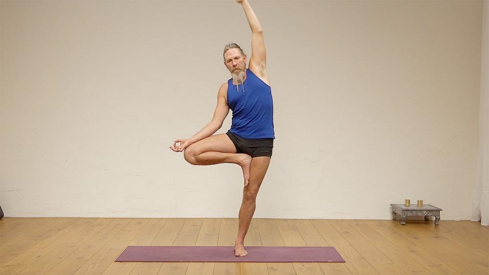 Intermediate Hatha yoga | Ekhart Yoga
